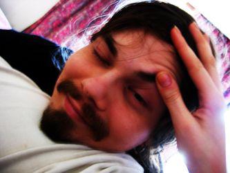Tuomas Henrikki väsyneenä